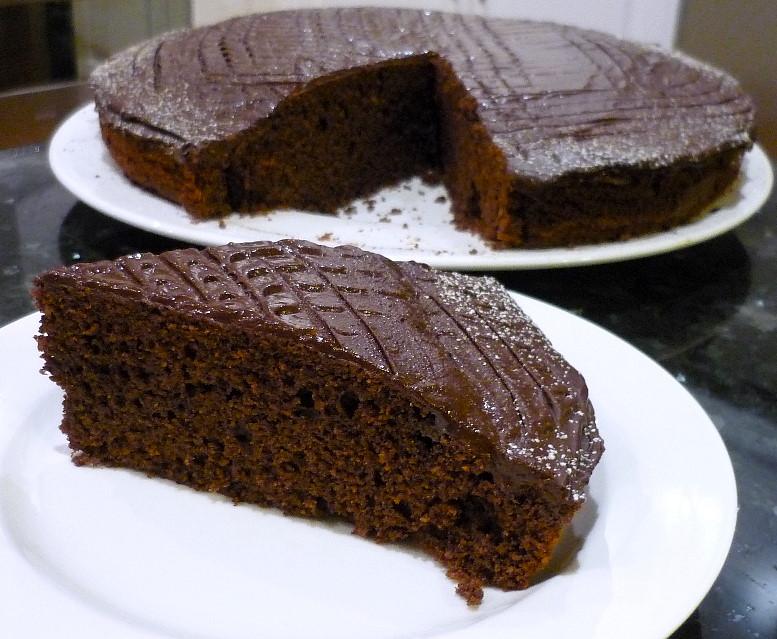 Cinnamon Chocolate Almond Cake | the cooking bug