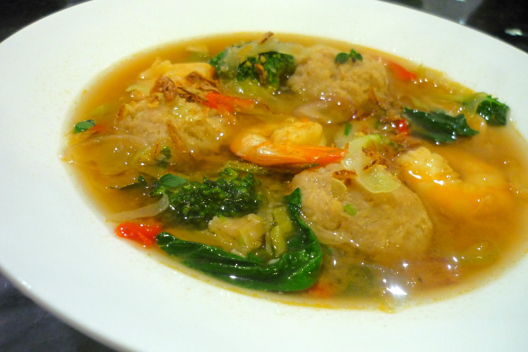 Ginger Prawn Dumpling Soup